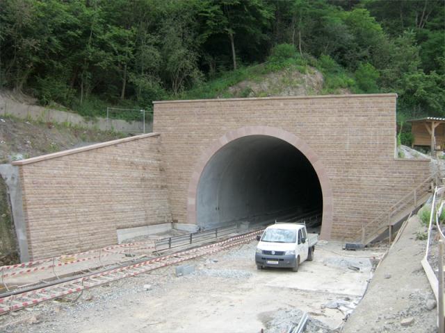 Tunnelverblendung Portalkranz und Abdeckung Frauenberg