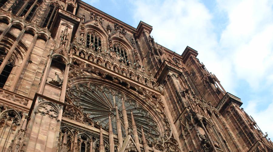 Gesamtlieferung des Sandsteins zur Restaurierung des Straßburger Münsters, 1995-dato